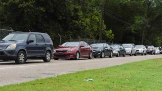 Texans queue for tests in their cars
